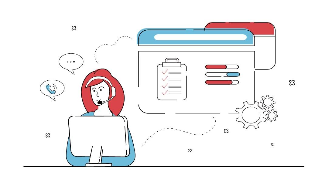 Eine Frau sitzt an einem Computer, trägt ein Headset und telefoniert freundlich mit Kunden. Im Hintergrund zeigt ein Monitor eine abgehaakte Checkliste und Parametereinstellungen, die von der Frau beim Support einer Website eingestellt wurden.